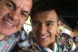 Cuauhtémoc Blanco y su hijo posan en una foto