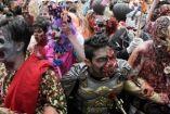 Jóvenes disfrazados en la Marcha Zombie