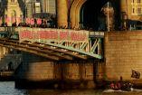 Pancartas que muestran la movilización en Londres