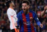 Lionel Messi festeja una de sus anotaciones contra el Valencia