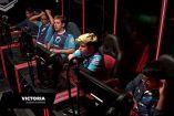 Los integrantes de Dash9, tras ganar una partida contra Authority Esports