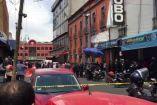 Policías acordonan Plaza Meave