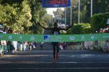 El keniano Robert Gaitho Gititu llegando a la meta