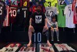 Messi presume su colección de playeras