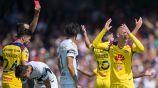 Uribe es expulsado en el duelo contra Pumas
