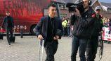 Hirving Lozano camina hacia el vestidor de Phillips Stadium