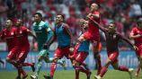 Jugadores de Toluca festejan la victoria sobre Veracruz en el C2018