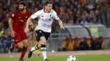Milner conduce el balón frente a la Roma en Champions League
