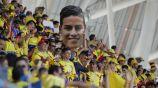 Aficionados colombianos alentando a su equipo en su debut en Rusia