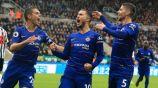 Hazard (centro) festeja un gol con el Chelsea