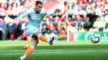 Hazard cobra penalti con el Chelsea
