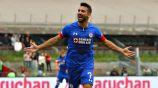 Cauteruccio festeja un gol con Cruz Azul