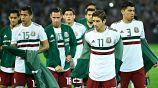 Jugadores de la Selección Mexicana antes de un partido vs Argentina