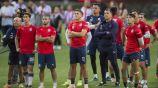 Jugadores de Chivas, en el entrenamiento previo a viajar a Medio Oriente