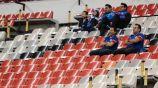 Algunos aficionados del Cruz Azul durante el juego contra Alebrijes