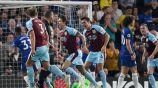 Jugadores del Burnley festejan un gol al Chelsea