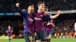 Messi y Sergi Roberto celebran un tanto en Barcelona
