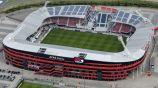 El AFAS Stadion desde el aire donde se percibe la parte dañada