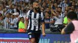 Nico Sánchez festeja un gol  con Rayados