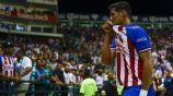 Tepa González celebra su debut con Chivas