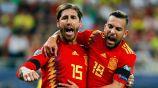 Sergio Ramos celebra uno de sus goles con España