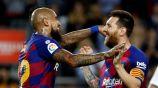 Vidal festeja su gol ante el Sevilla con Messi