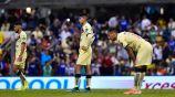 Jugadores de América se lamentan en el juego vs Cruz Azul