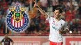 Jesús Angulo festeja un gol con Necaxa