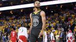 Stephen Curry, molesto tras caer contra los Raptors