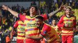 Luis Ángel Mendoza celebra un gol con Monarcas