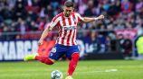 Héctor Herrera realiza un pase con el Atlético de Madrid