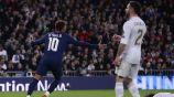 Neymar festeja el gol de Sarabia mientras Carvajal se lamenta