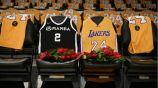 El Staple Center cubierto de jerseys de Kobe