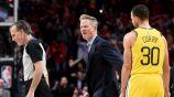 Steve Kerr se molesta en un juego de los Warriors
