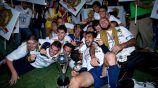 Los jugadores de Pumas festejan el título