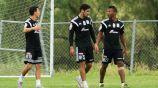 Ikechukwu Uche en práctica con Tigres