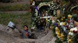 Panteón en Valle de Chalco, una de las zonas más afectadas de México