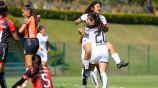Jugadores de Gallos celebran gol