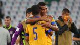 Jugadores de Tigres festejan la victoria ante Palmeiras