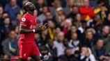 Sadio Mané celebra su gol 100