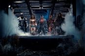 Embedded thumbnail for Justice League sorprende con primer trailer