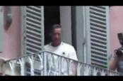 Embedded thumbnail for Nainggolan encierra a Totti en un balcón