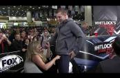Embedded thumbnail for Gronkowski le baila a reportera en plena transmisión