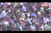 Embedded thumbnail for Cuauhtémoc Blanco juega cascarita con alcaldes de Morelos