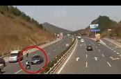 Embedded thumbnail for Atropellan a policía al evitar un retén