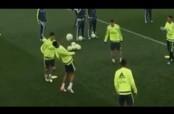 Embedded thumbnail for James Rodríguez le da un balonazo en la cara a Varane