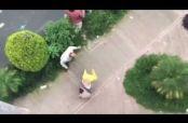 Embedded thumbnail for Automovilista golpea personas y lo apodan #LordPeatones