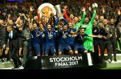 Manchester United lavanta el trofeo de la Europa League
