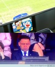 Bartumeu, muy atento al partido