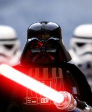 Darth Vader apareció entre los Lego que usó el artista
